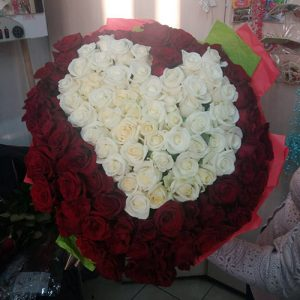 101 роза в форме сердца в Николаеве