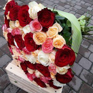 101 роза микс букет с доставкой в Николаеве