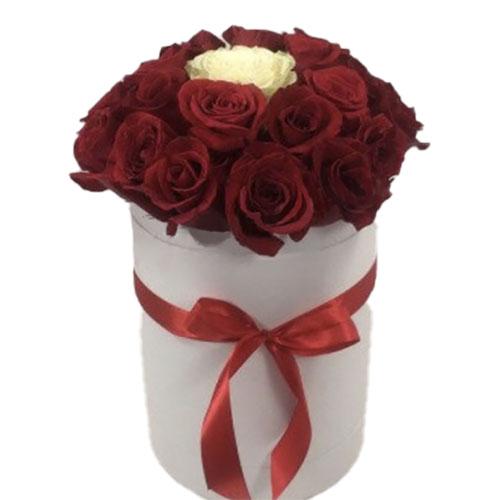 "букет Коробочка 21 роза ""Неповторимая"""