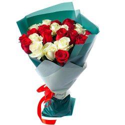 букет 25 роз красных и белых