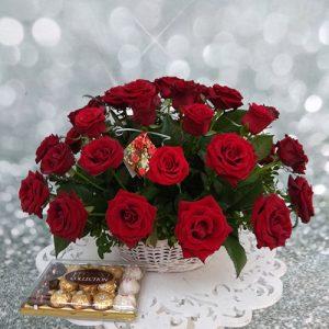 21 красная роза в корзине в Николаеве фото