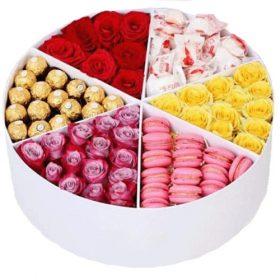 Прихоть богача цветы и сладости в коробке