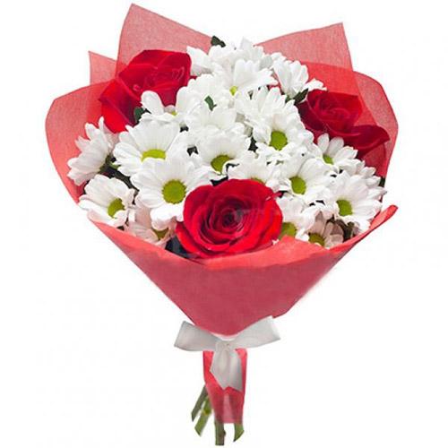 """Букет """"Презентик"""" розы и хризантемы"""